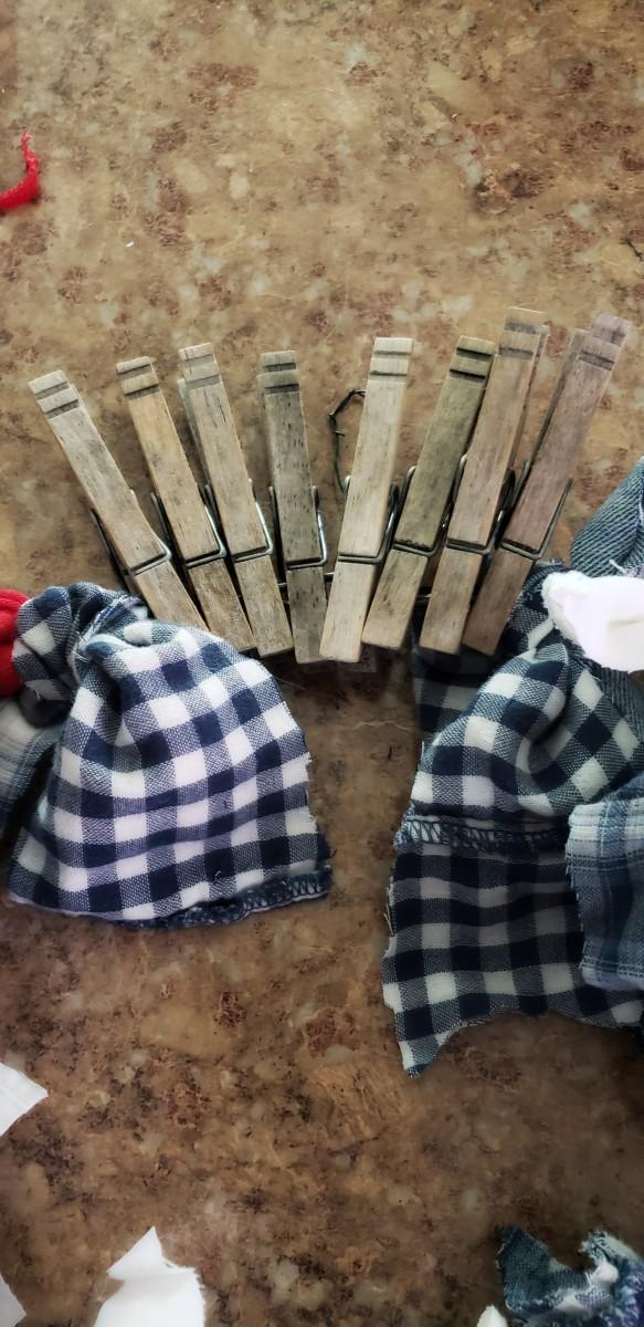Arrange your clothespins.
