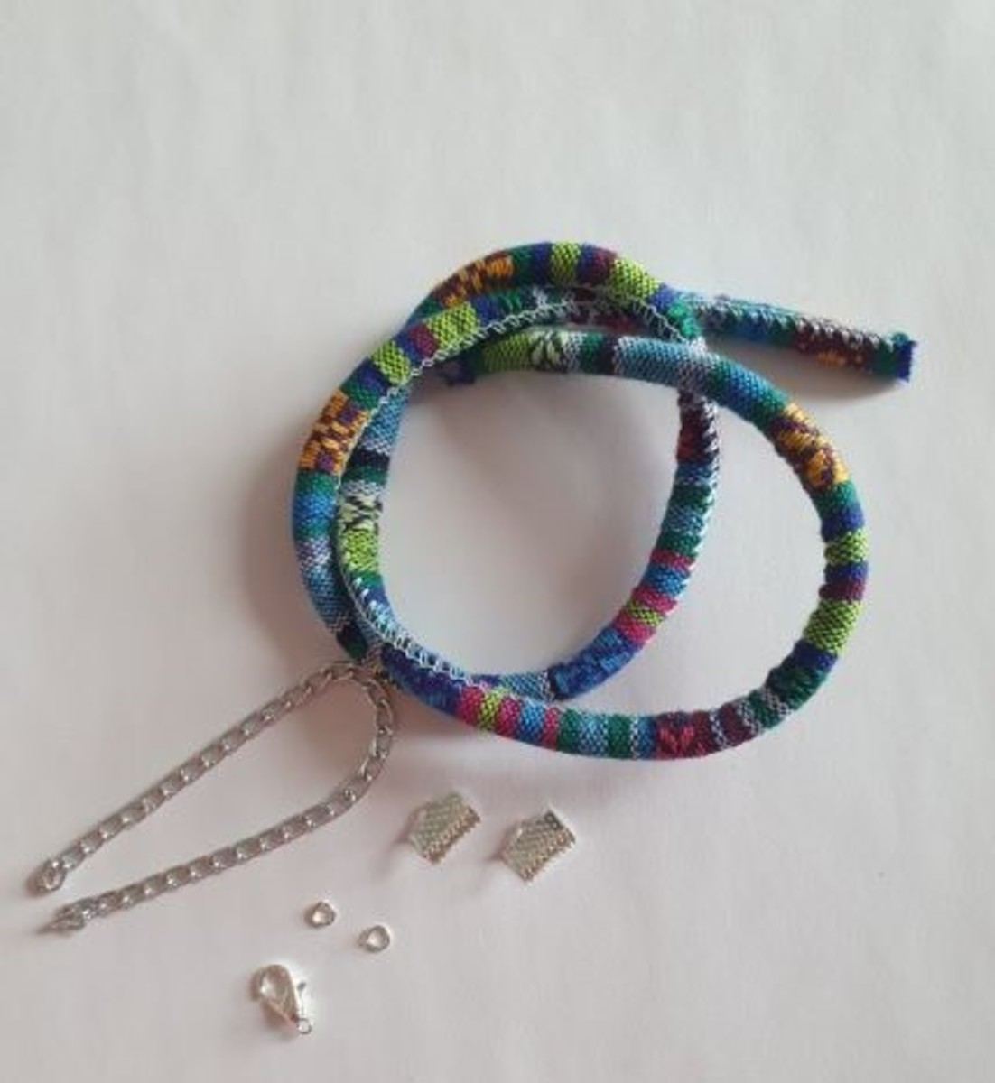 This is what will make the base of your necklace. Besides these, you will need only polymer clay to make the beads.