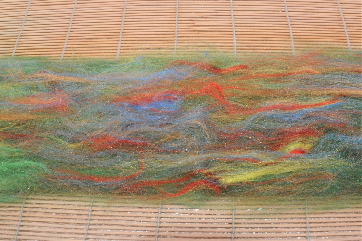 Decorative silk fibers.