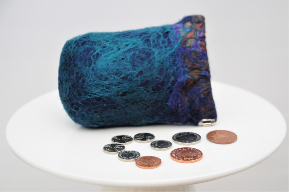 Reduce the length of the template if you would like to make a little coin purse like this.