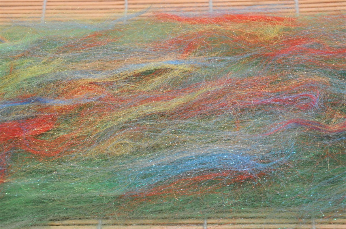 The last layer of decorative fibers.