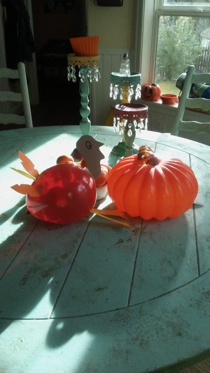 A balloon turkey makes a great centerpiece and a terrific conversation piece!