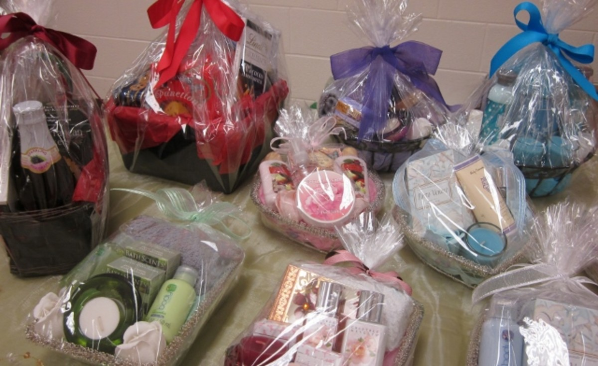 Hand-made gift baskets come in a variety of shapes and sizes using different wrapping techniques.