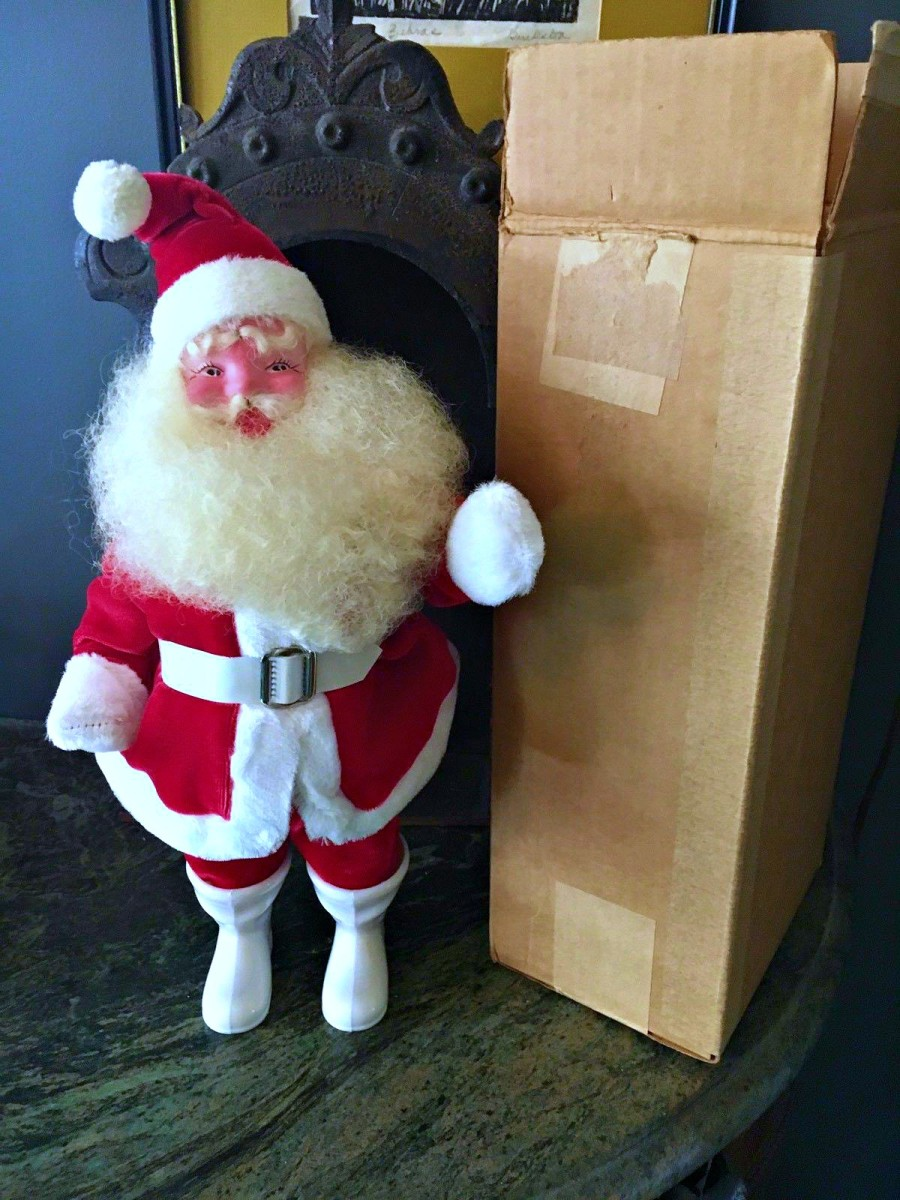 "Excellent condition! Harold Gale 14"" Santa Claus in red velvet suit. Looks like he's been in his box for 60 years. Velvet Santa Claus with his box .. Mint, Original vintage Harold Gale 14 inch Red Velvet Santa"