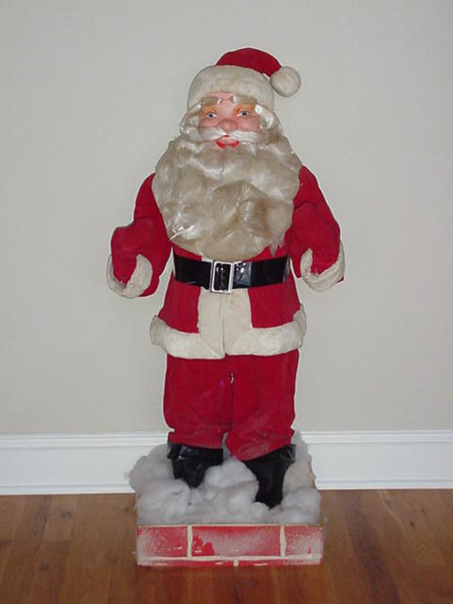 Collecting Harold Gale Santa's is a way to get into the Christmas Spirit. Mr. Harold Gale began making Department Store Display Santa's around 1946 at his home, his wife would help him, and they would stay up late at night working on their Santa's.