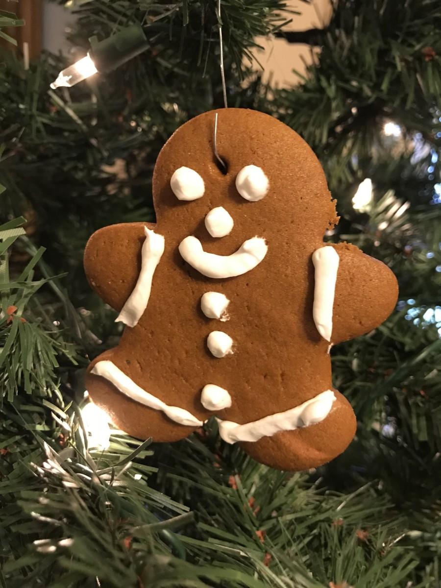 How to Make Super Cute, Fun, Edible Gingerbread Cookie Ornaments