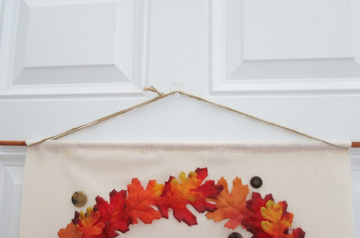 diy-craft-tutorial-how-to-make-an-easy-no-sew-fall-banner-for-your-home