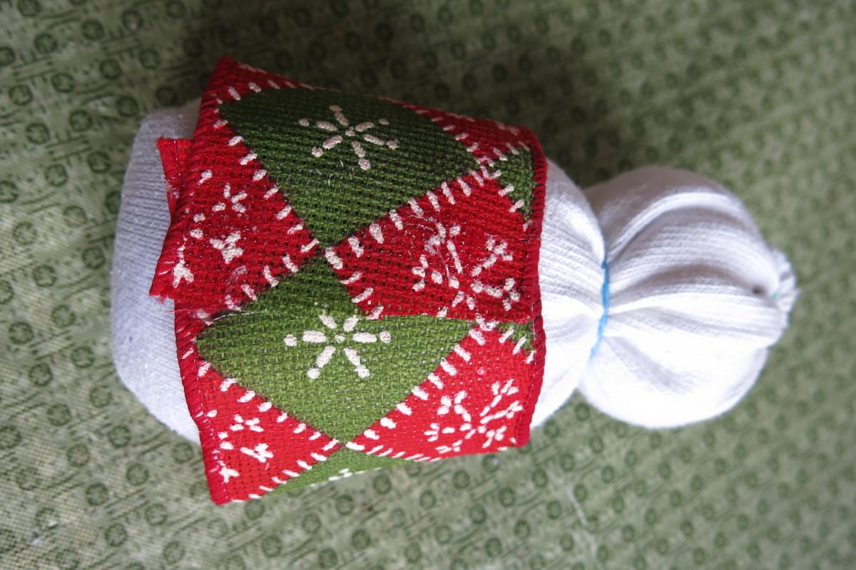 Dressing Your Female Sock Snow Figure