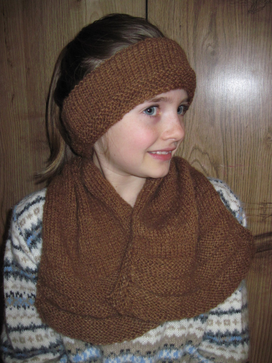 Alpaca yarn can be used to make many things, like this scarf and ear band I knitted.