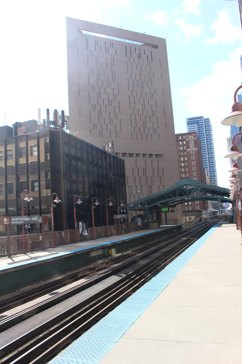 Picture taken from the Harold Washington Library station. Taken in March 2019.