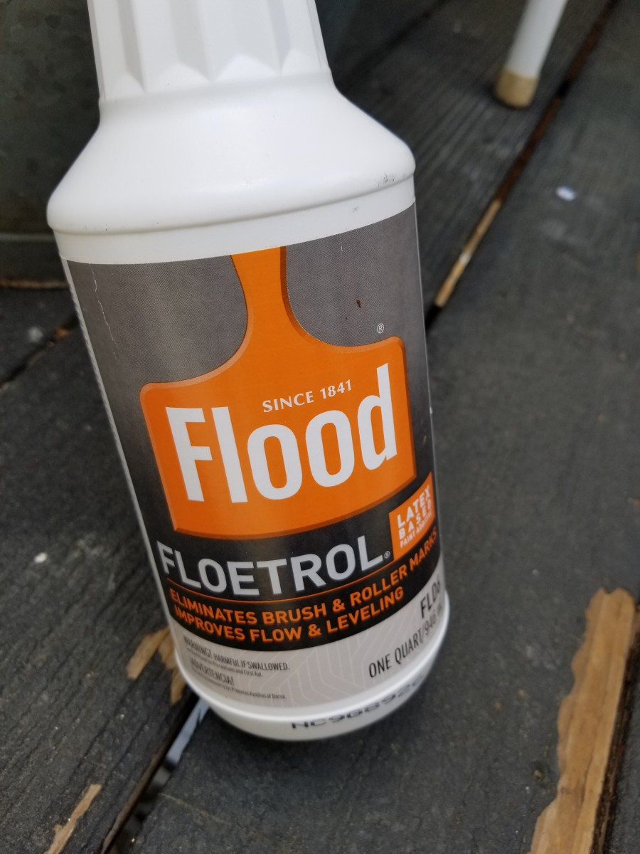 Mix a medium with the paints for a smooth flow for pouring. Floetral is my choice for a pouring medium.