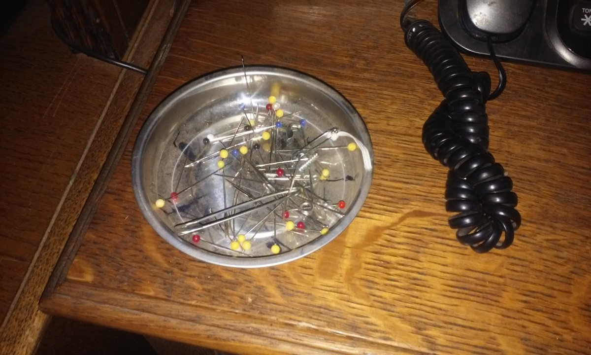 Magnetic Tray, can be used in a mechanic shop for screws and such, or at a sewing table for pins and needles.