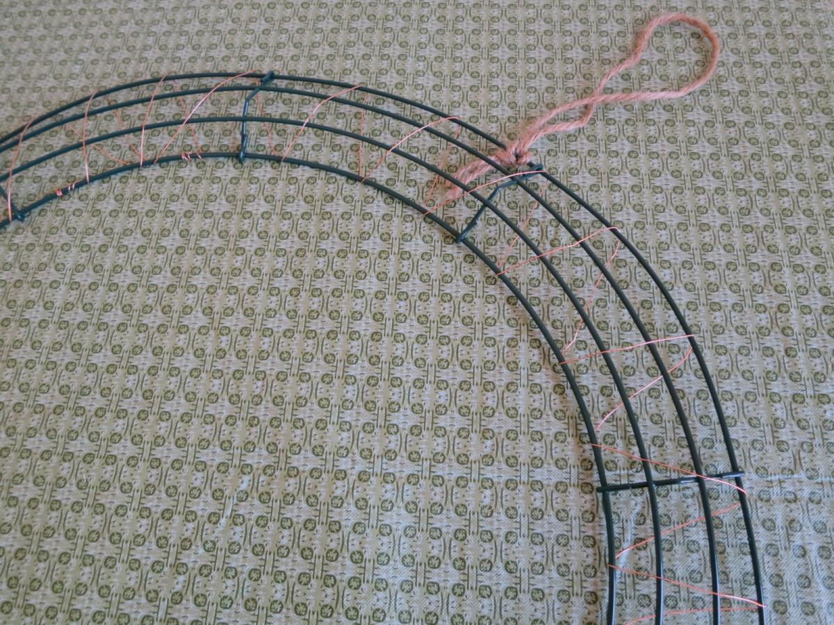 making fabric wreath  (c) purl3agony 2013