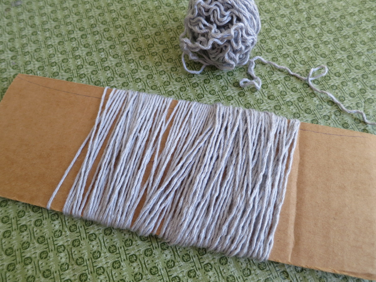knitting-hints-how-to-make-and-attach-fringe-tassels-to-a-scarf-shawl-or-sweater