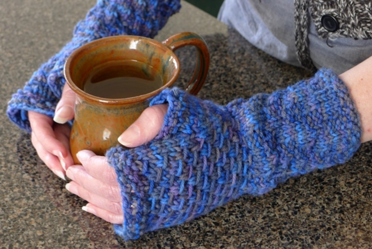 My textured fingerless gloves pattern would make a nice match with this cowl.