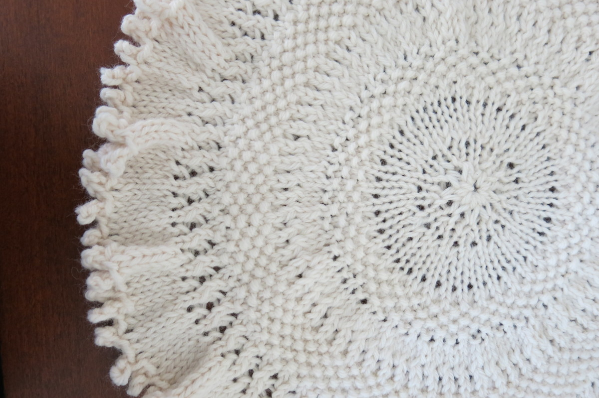 Knitted Tree Skirt for Table-Top Christmas Tree