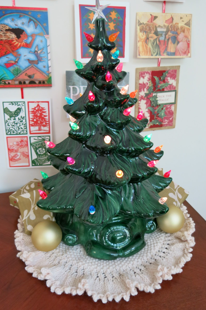 Free Knitting Pattern for Christmas Tree Skirt or Doily