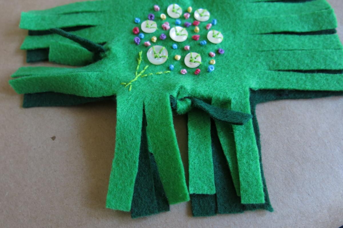 Assembling Your No-Sew Pincushion