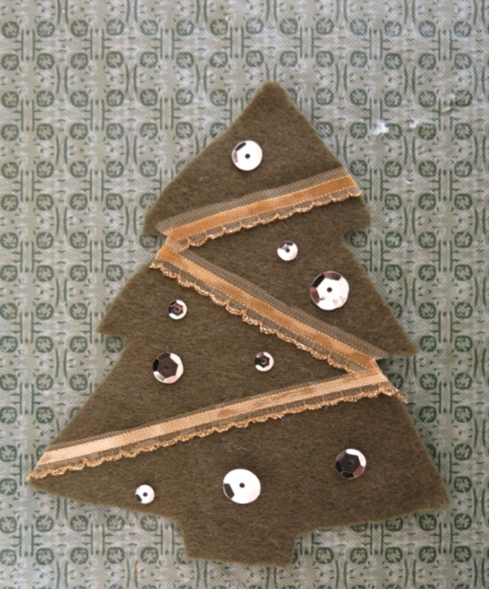Diy Christmas Tree Sweater: DIY Craft Tutorial: How To Turn An Old Sweater Into A