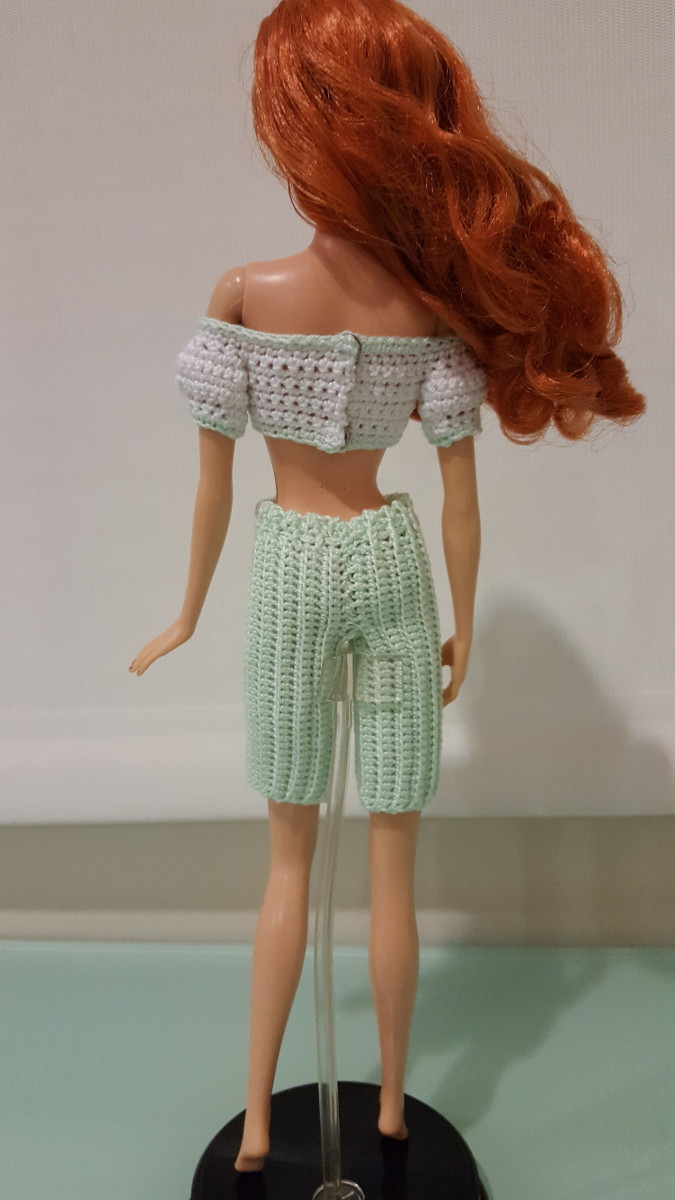 Back view of Barbie Bermuda Shorts and Cropped Top w/ Puffy Sleeves