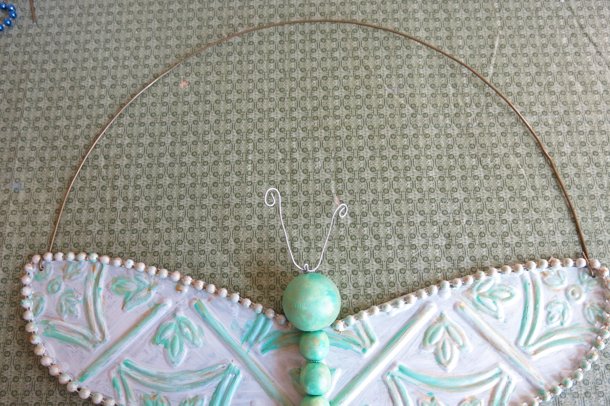 Adding a hanger to your dragonfly decoration or wreath