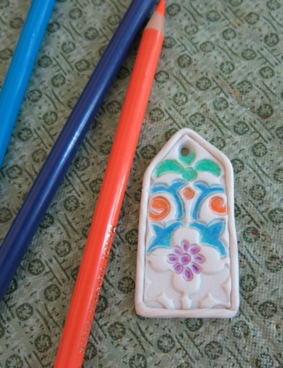 diy-jewelry-tutorial-how-to-make-a-stained-glass-polymer-clay-necklace-pendant
