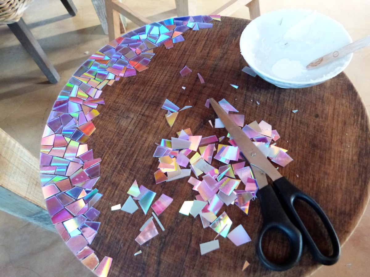 crafting-with-recycled-dvds-tips-and-ideas