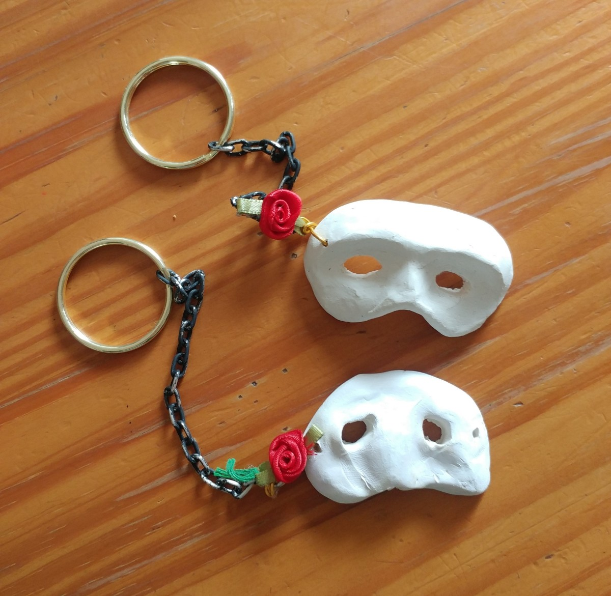 Enjoy this project! Is it the perfect little item to keep for a Phantom fan.