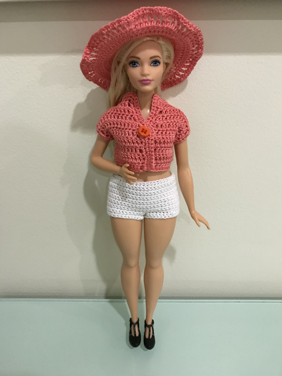 Curvy Barbie Jacket with Shorts and Hat