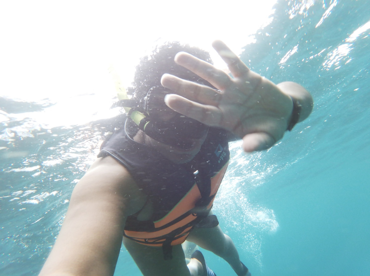Underwater using selfie stick