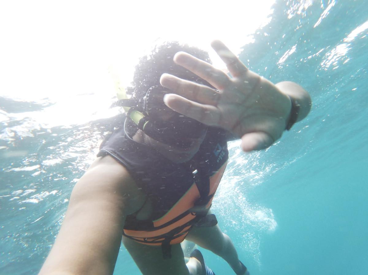 Underwater using selfie stick