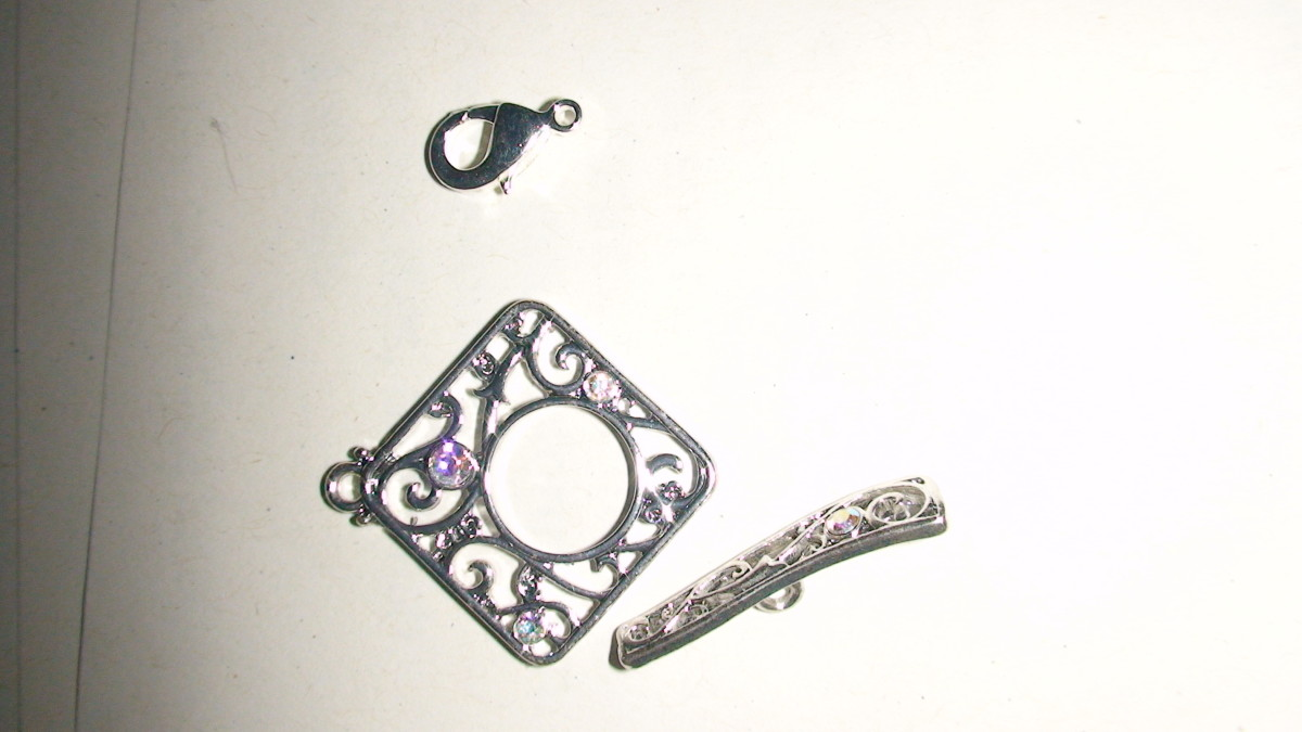 Lobster Claw (top); Toggle Clasp (bottom)