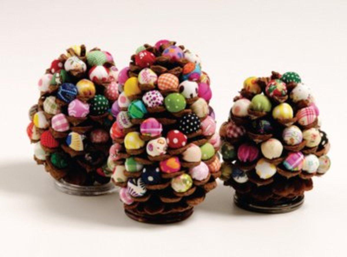 38 Remarkable Pinecone Crafts Feltmagnet