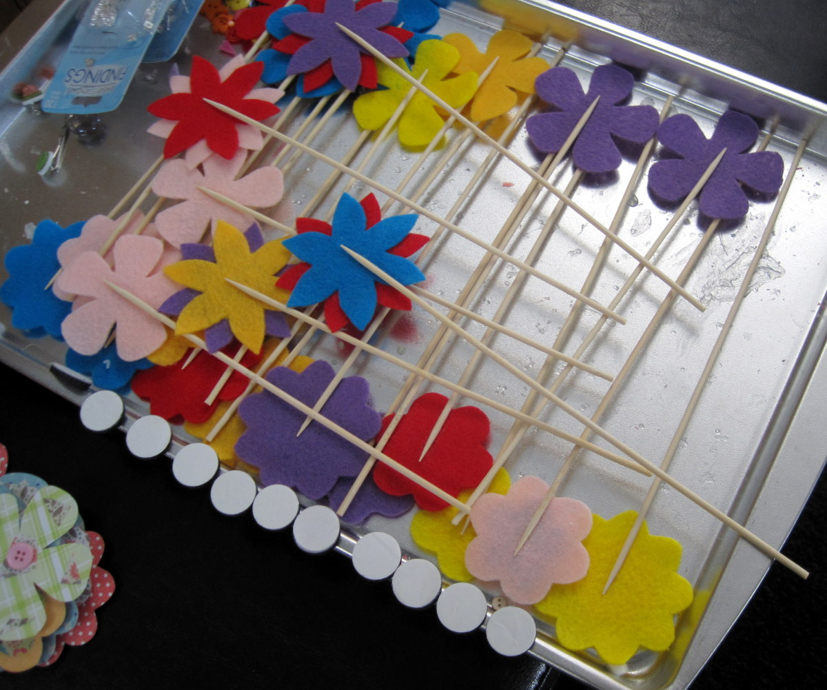 I like to use cheap cookie sheets for drying all sorts of different small craft projects.