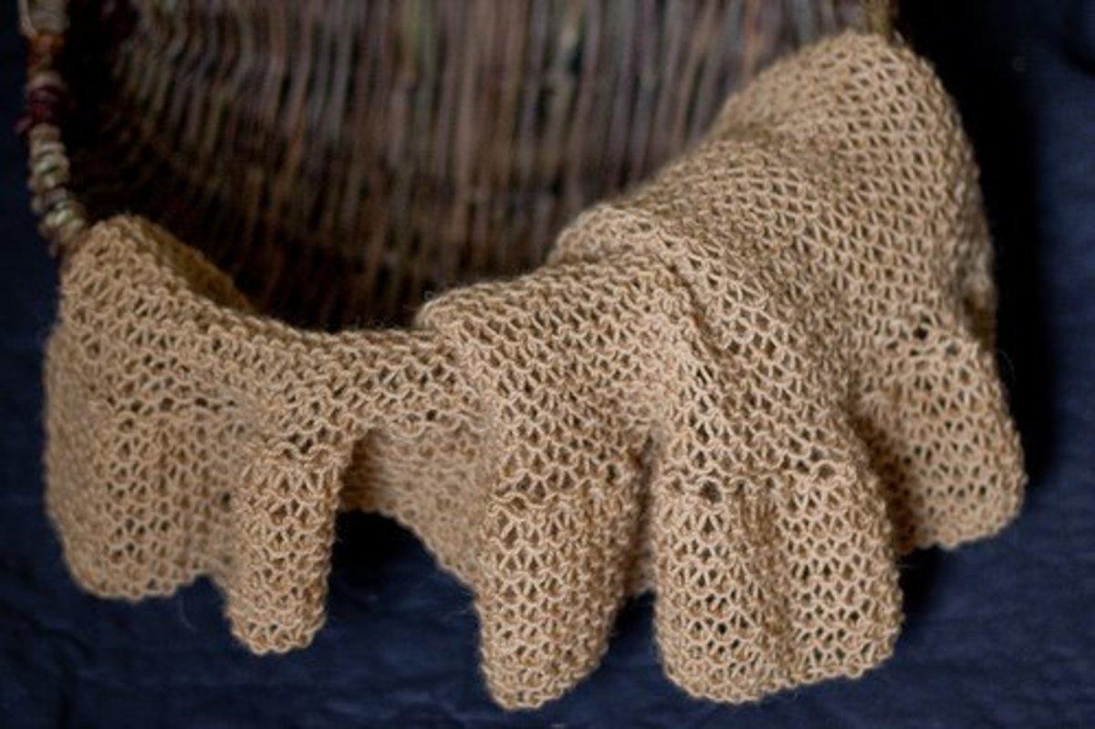 Coffee-dyed wool shawl (Creative Commons)