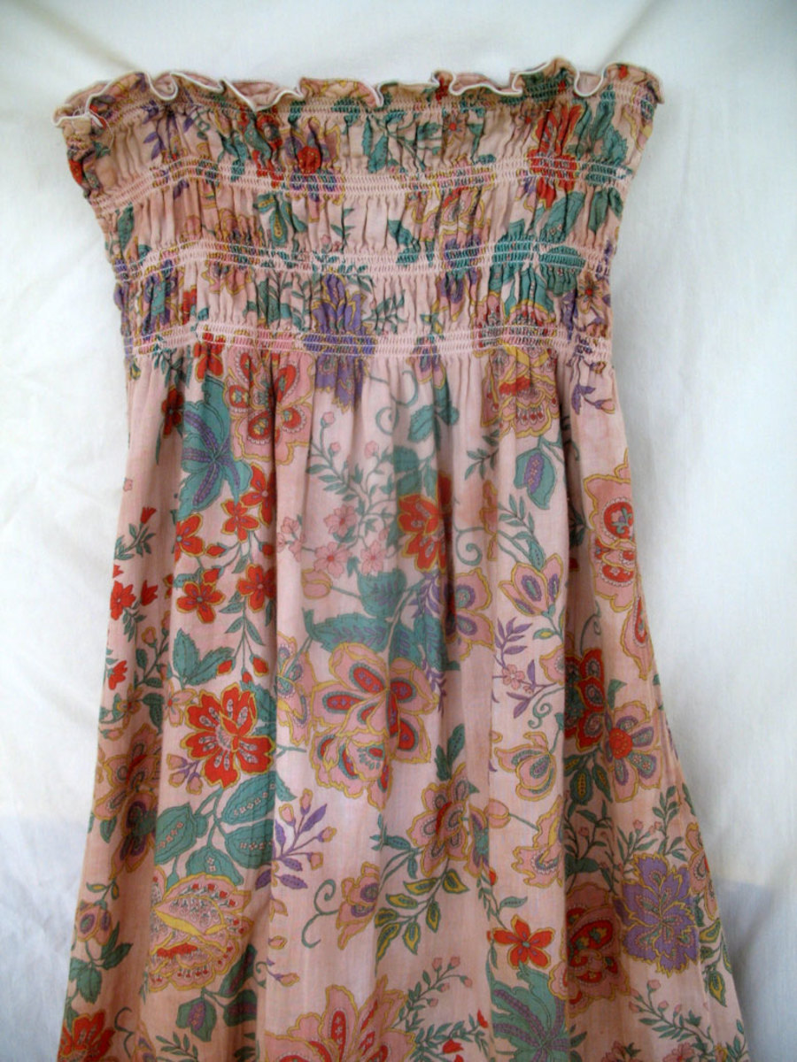 A sundress given a soft, vintage look with tea staining. (Creative Commons)