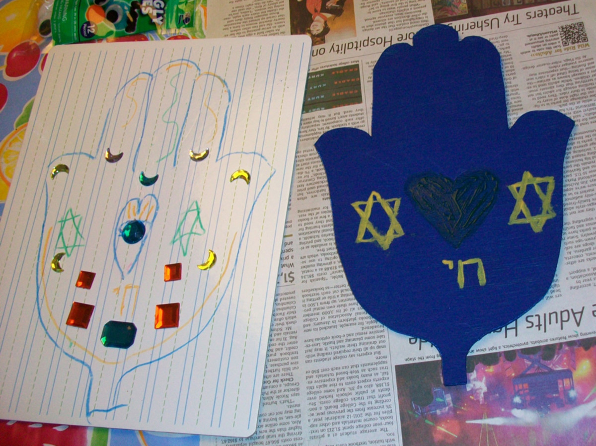 Here is a view of the planning drawing and the hamsa mid-decoration.