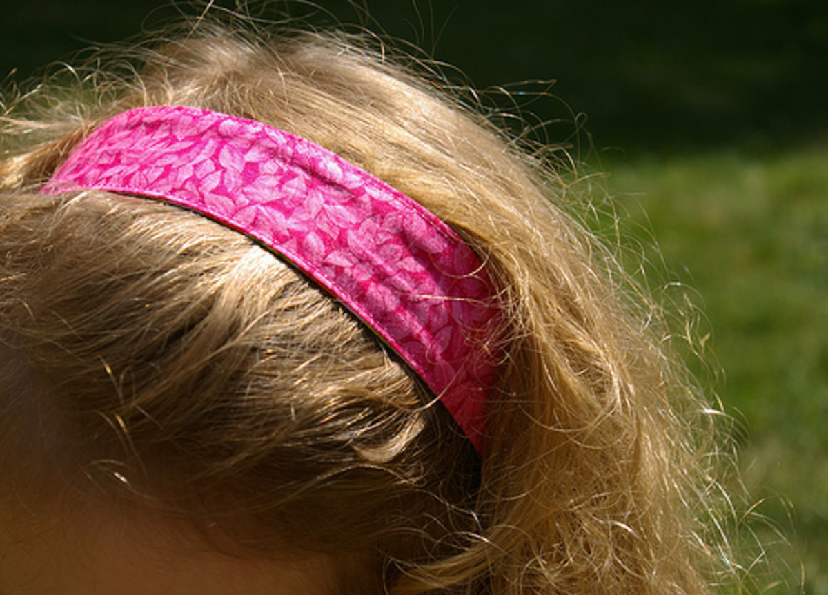 There are so many beautiful t-shirt fabrics that you can use to make headbands.