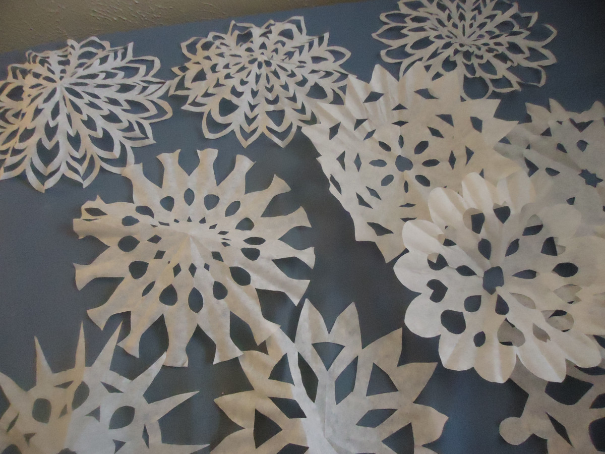 winter-crafts-coffee-filter-snowflake-tutorial
