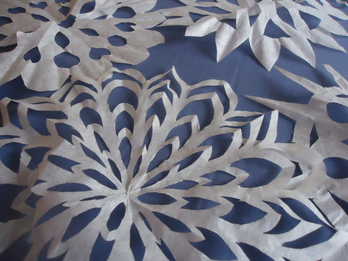 winter-crafts-coffee-filter-snowflake-tutorial