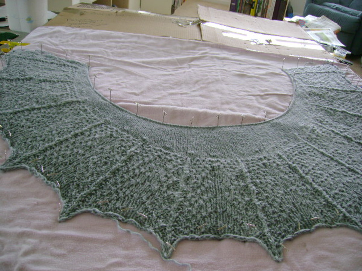 blocking a knitted lace shawl  (c) purl3agony 2013