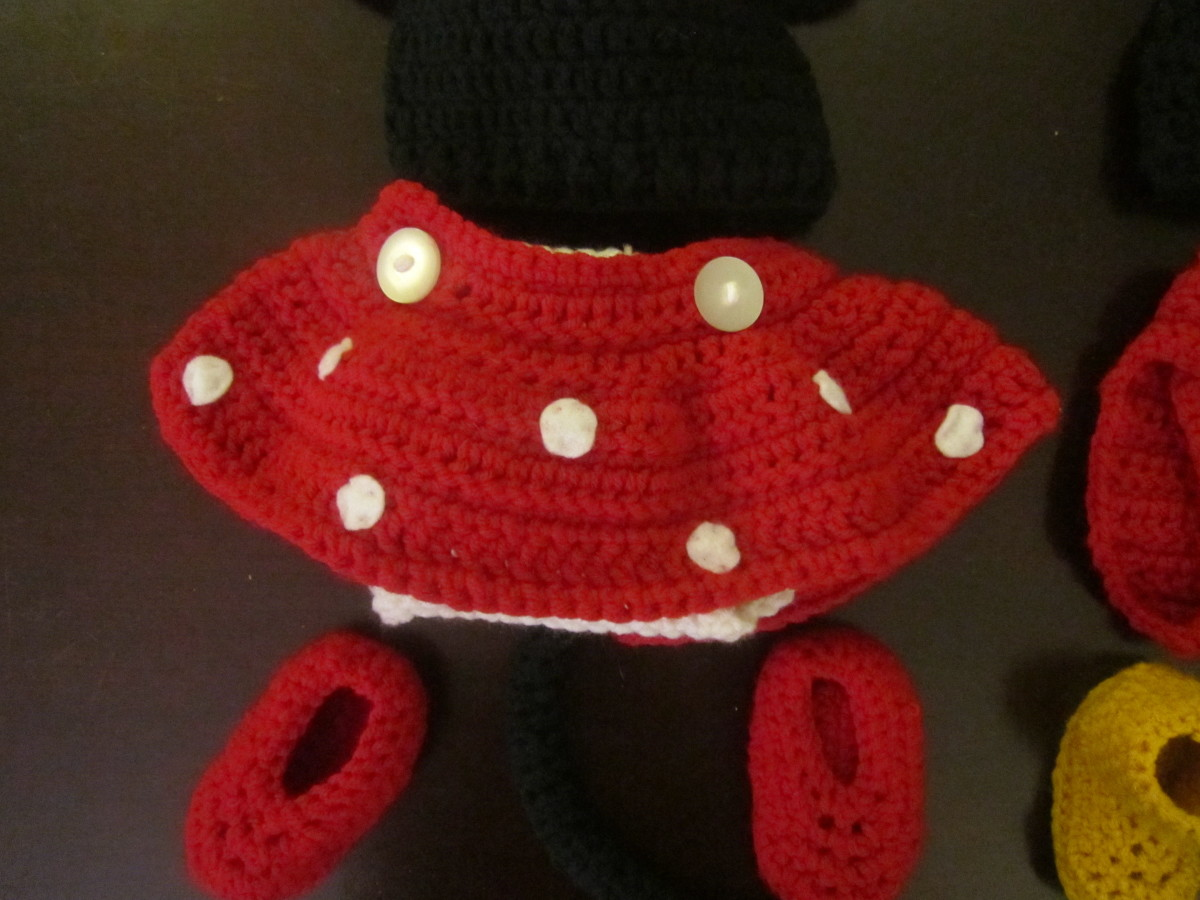 Free Crochet Pattern Minnie Mouse Diaper Cover : Crochet Baby Outfit