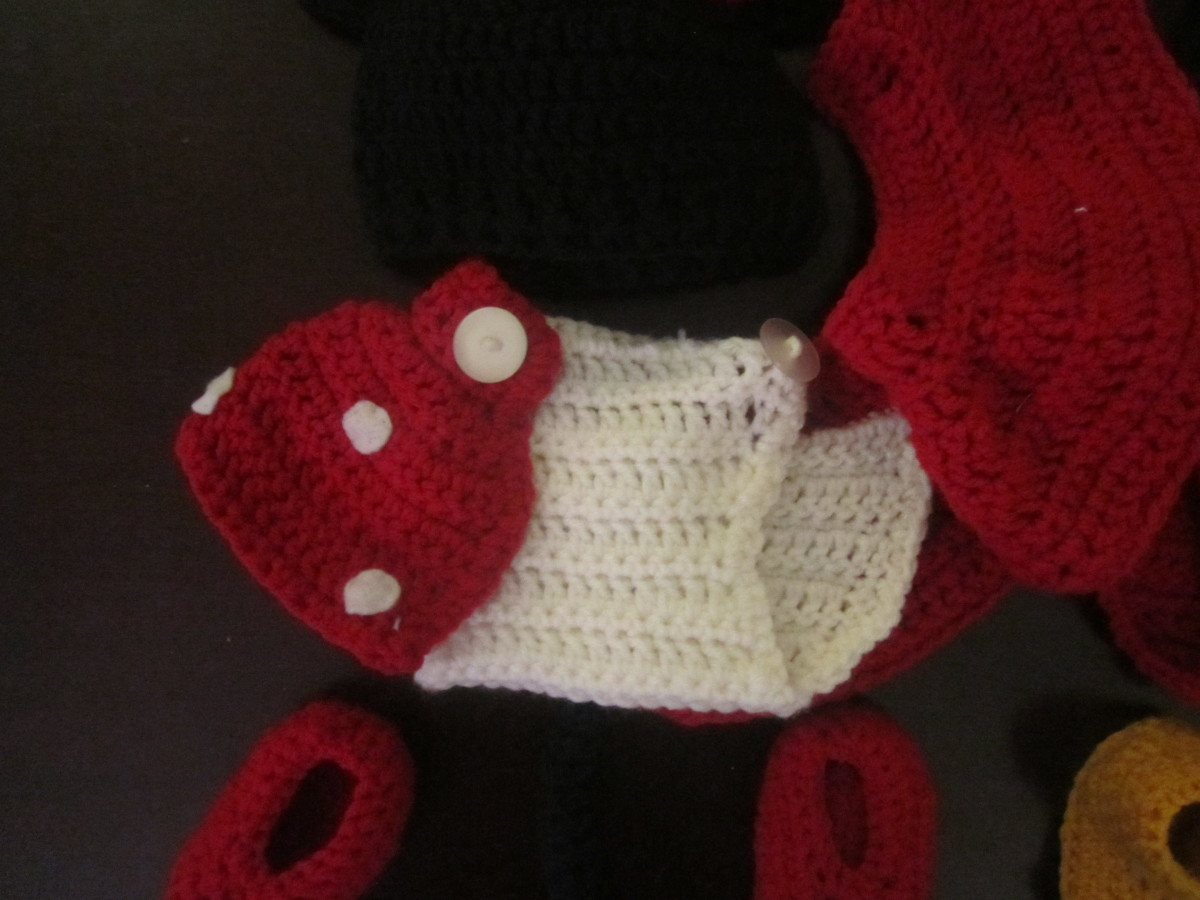 Minnie Mouse Polka Dot Diaper Cover w/ Skirt