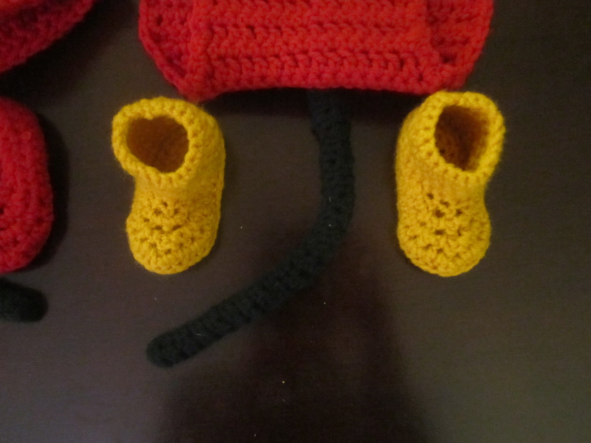 Crochet Mickey Mouse Booties