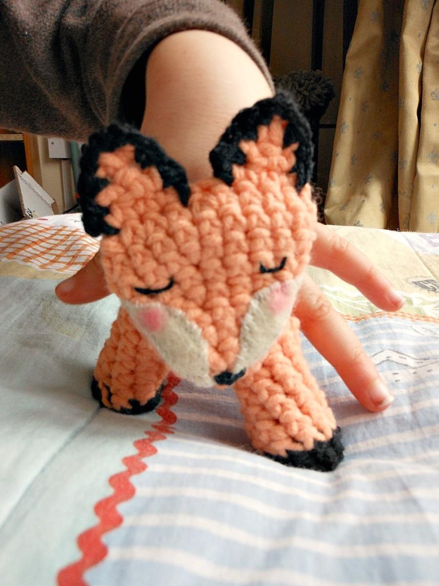 crocheted-fox-finger-puppet-free-pattern
