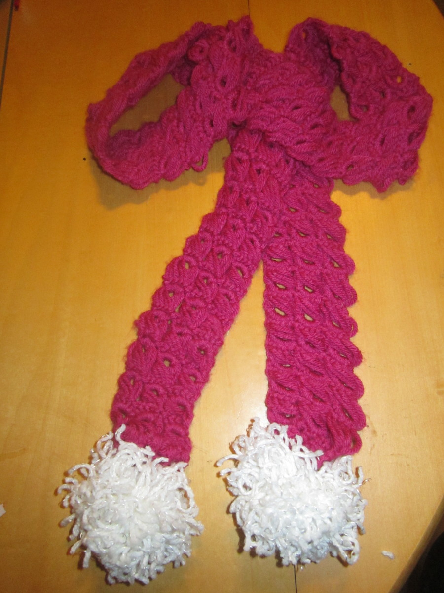 Thin broomstick stitch scarf.