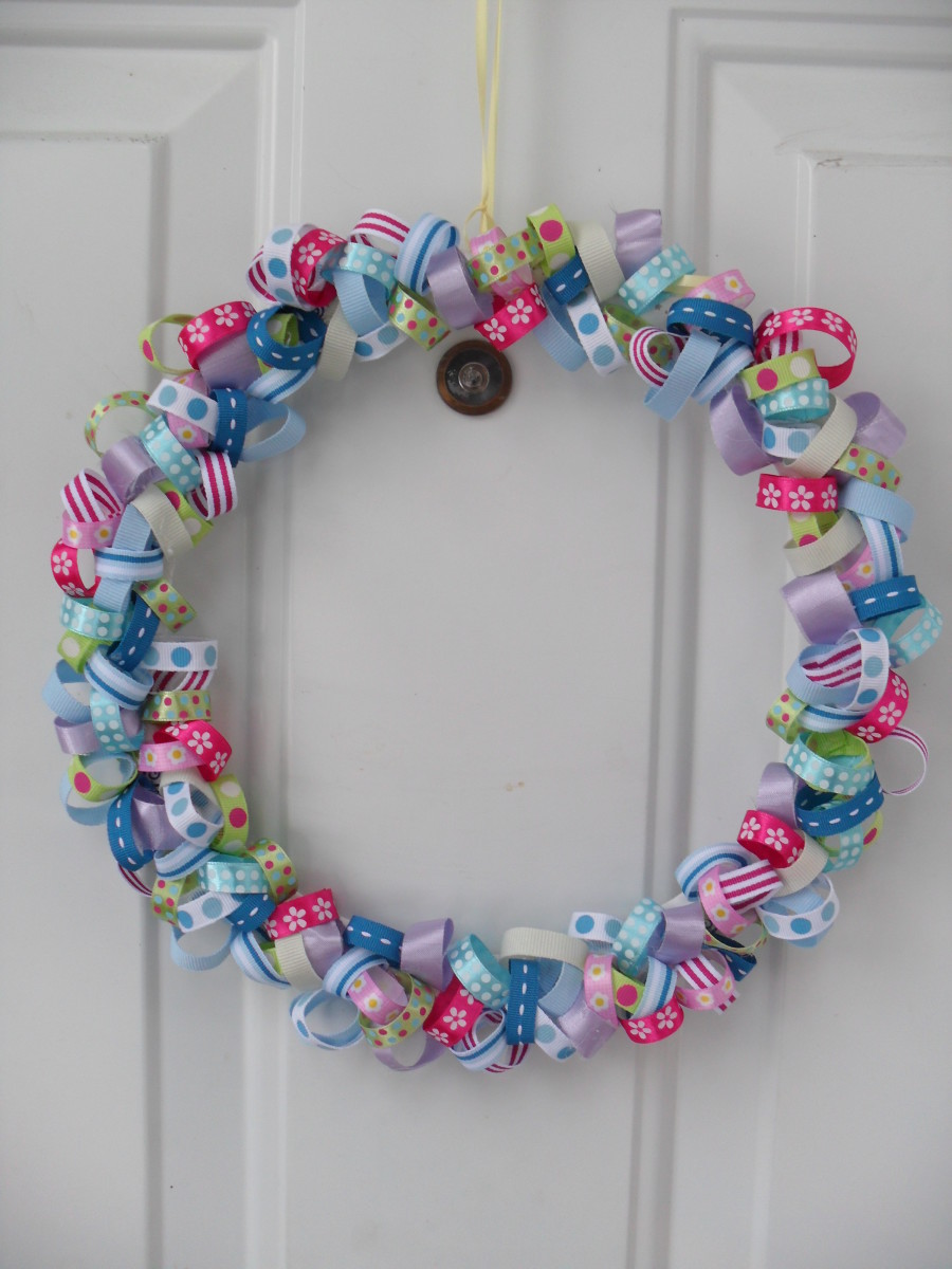 Completed ribbon wreath tutorial