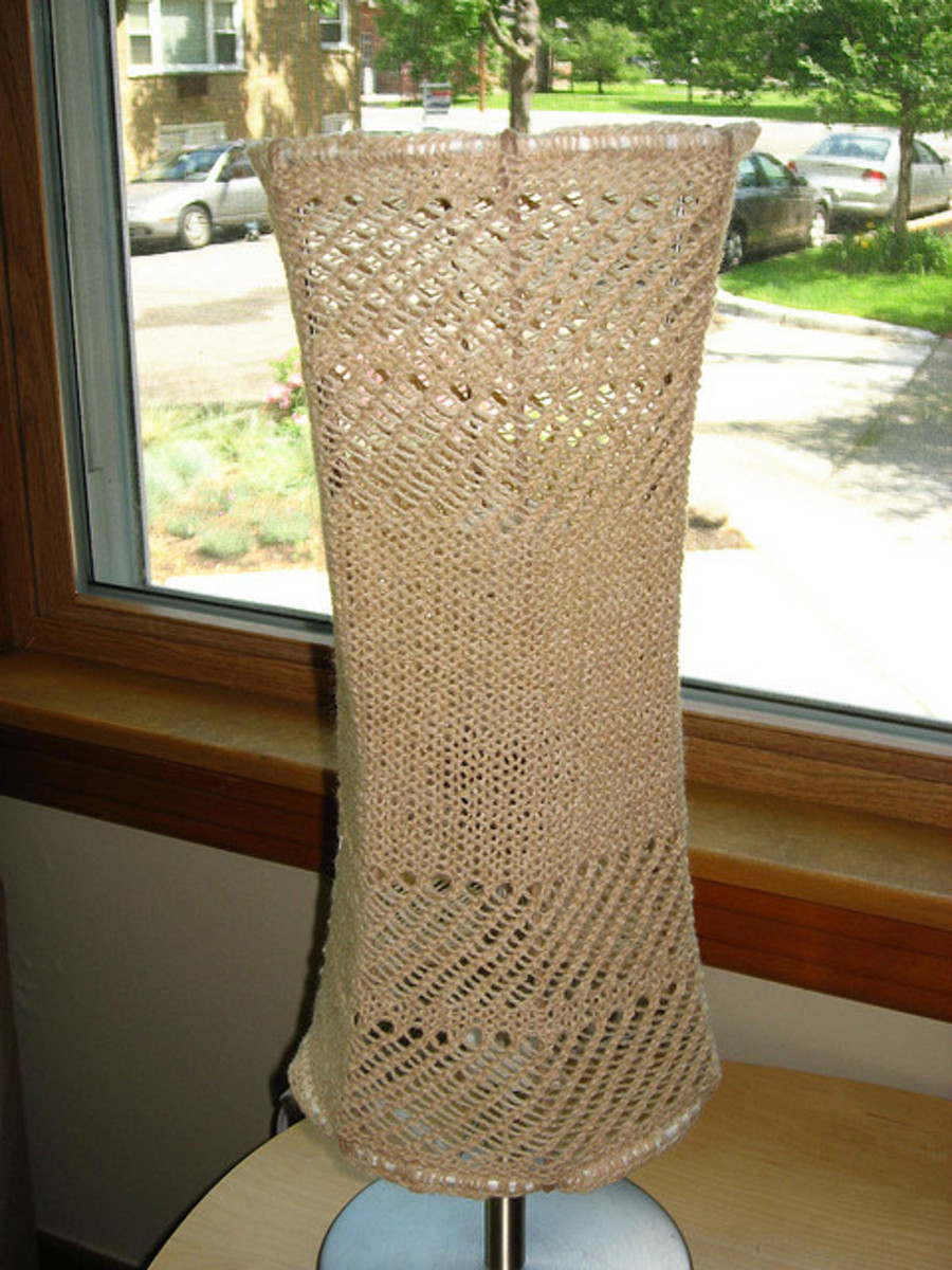 knit yarn bomb lampshade