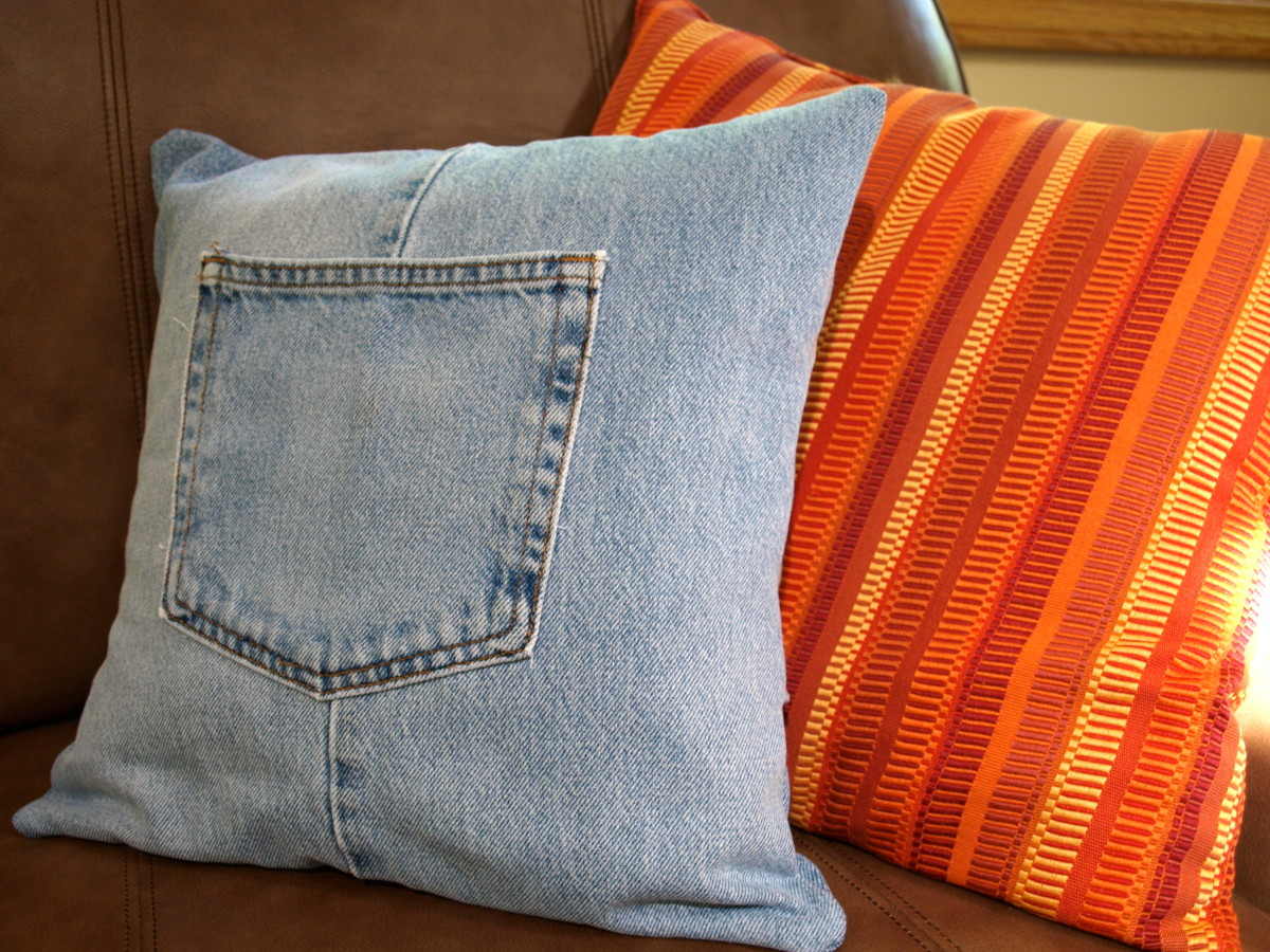 Make a Throw Pillow with Old Blue Jeans