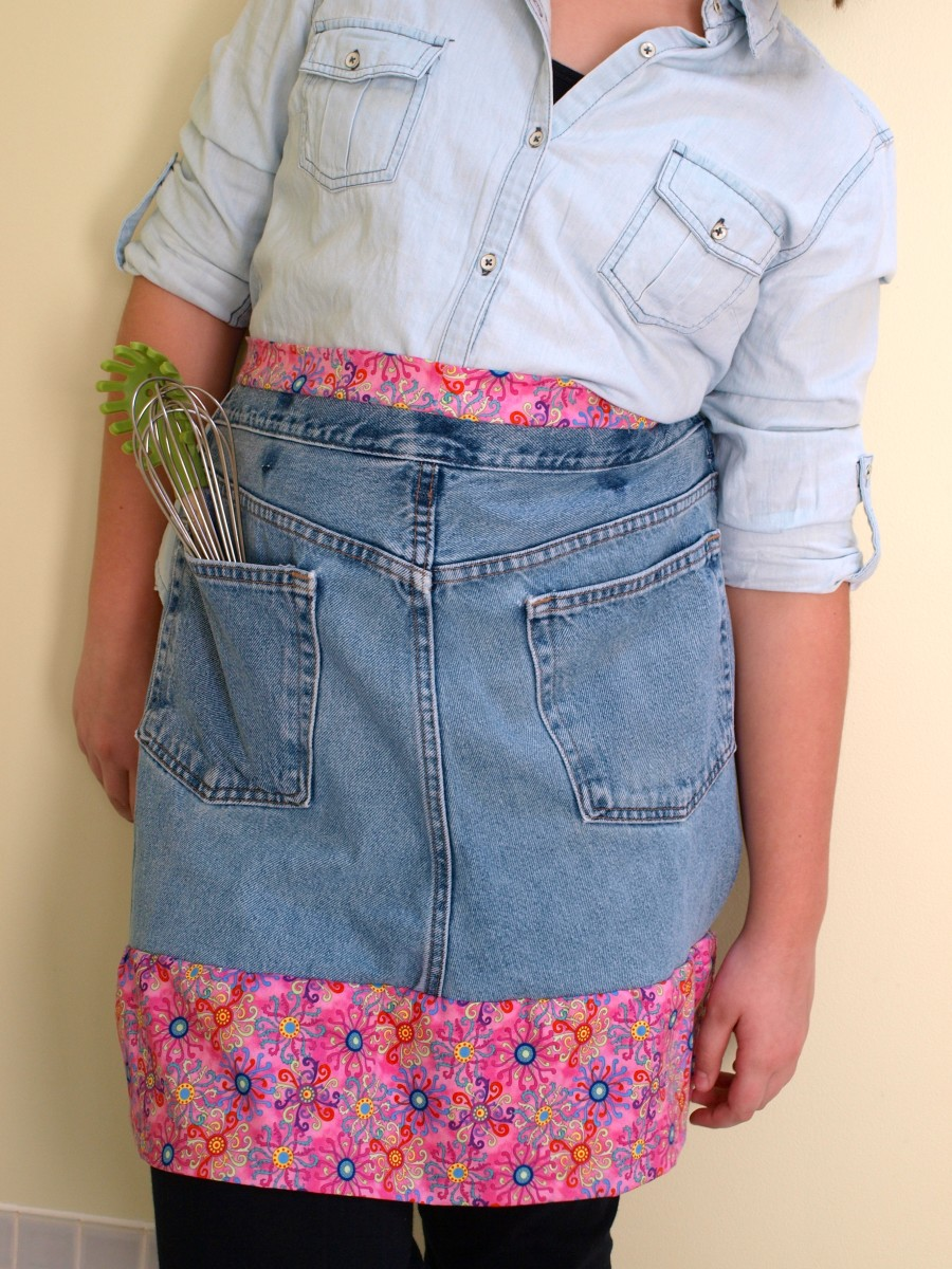 Upcycle your old denim jeans to make this super cute apron.